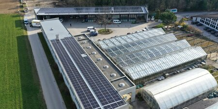 Une centrale photovoltaïque installée sur les toits des Espaces verts à Nyon